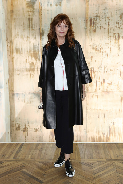 Susan Sarandon High Heel Oxfords [clothing,street fashion,coat,outerwear,fashion,snapshot,overcoat,trench coat,footwear,jacket,susan sarandon,front row,italy,milan,osservatorio,prada resort 2018 womenswear show]