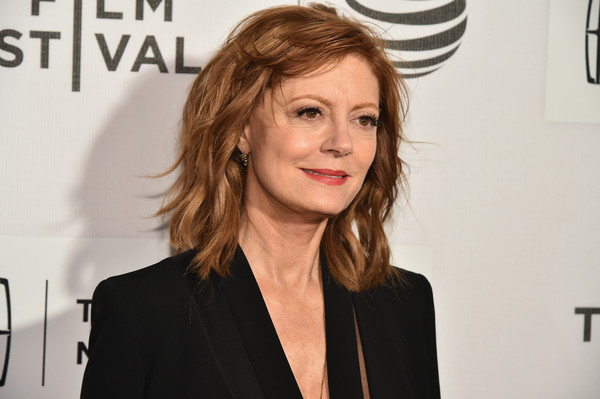 Susan Sarandon Medium Wavy Cut with Bangs - Susan Sarandon Shoulder ...