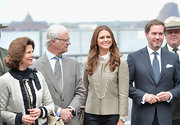 Princess Madeleine wore a simple sterling chain-link necklace as she accompanied the rest of her family to visit Castle Clinton.