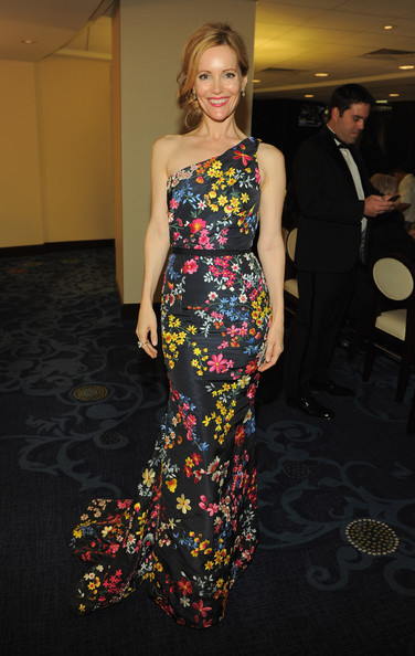 Leslie Mann in Naeem Khan