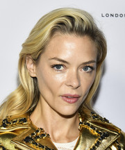 Jaime King sported a gently wavy hairstyle with a teased top at the Tings Magazine issue 2 launch.