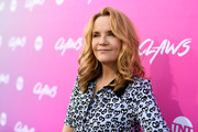 Lea Thompson wore her hair in bouncy, shoulder-length curls at the premiere of 'Claws.'