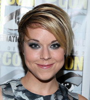 Tina Majorino stayed on trend with this short emo cut at Comic-Con International 2014.