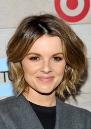 Ali Fedotowsky looked lovely with her voluminous short waves at the TOMS for Target launch.