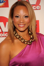 Angela Griffin showed off her gold chain link necklace while attending the TVChoice Awards.