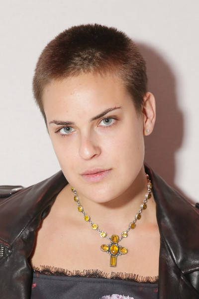 Tallulah Willis Buzzcut [hair,eyebrow,hairstyle,forehead,beauty,chin,black hair,fashion accessory,neck,jewellery,erin fetherston,tallulah willis,front row,lincoln center,new york city,the salon,mercedes-benz fashion week,fashion show]