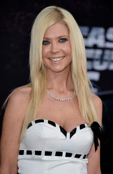 Tara Reid Long Straight Cut