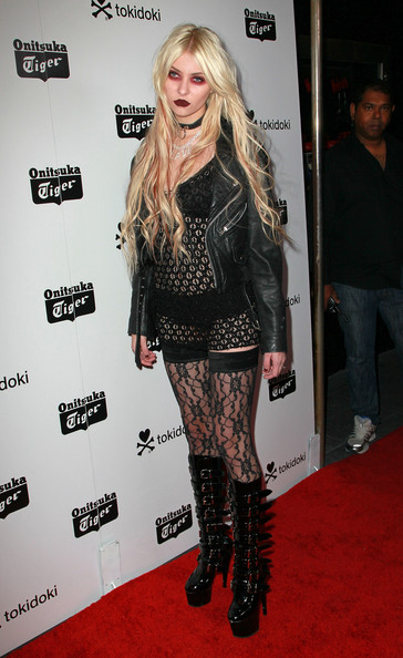 Taylor Momsen Tights