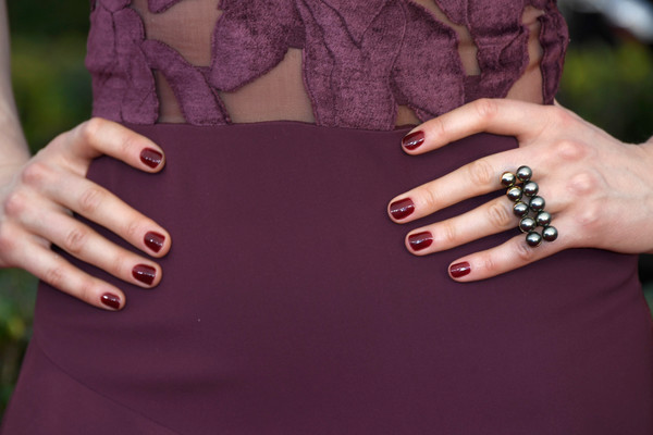 Taylor Schilling Red Nail Polish [nail,nail polish,manicure,purple,nail care,finger,cosmetics,hand,skin,violet,arrivals,taylor schilling,screen actors guild awards,fashion details,manicure,ring,los angeles,california,the shrine auditorium]