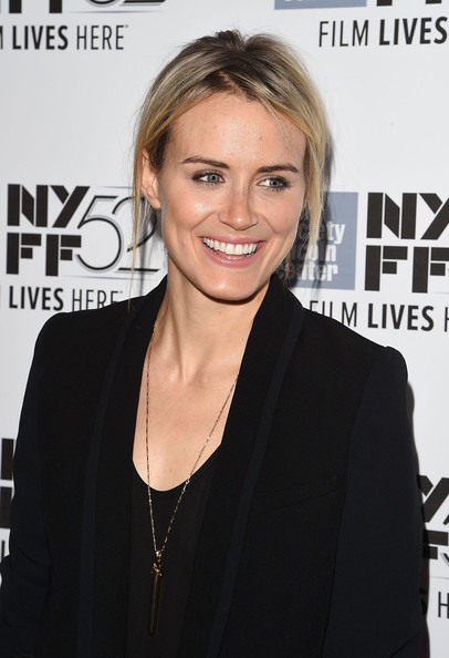 Taylor Schilling Gold Pendant [listen up phillip,hair,hairstyle,blond,premiere,lip,shoulder,white-collar worker,neck,smile,magazine,taylor schilling,phillip,alice tully hall,new york city,new york film festival,premiere]