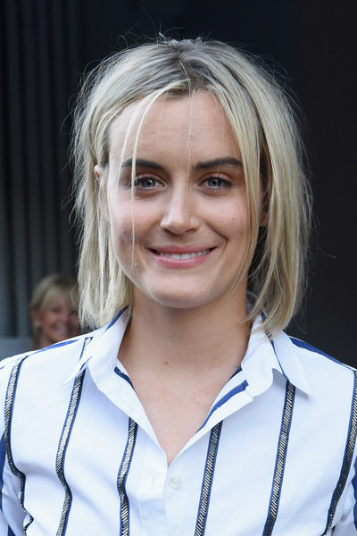 Taylor Schilling Layered Razor Cut [hair,face,blond,hairstyle,eyebrow,chin,smile,layered hair,long hair,official,taylor schilling,presentation,skylight,new york city,j.crew,new york fashion week]