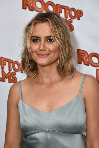 Taylor Schilling Medium Wavy Cut [insane clown posse,family at the well,hair,blond,hairstyle,premiere,shoulder,long hair,brown hair,dress,layered hair,feathered hair,taylor schilling,premiere,ny,brooklyn,rooftop films,rooftop films ny premiere]
