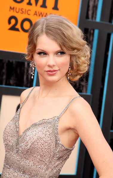 Taylor Swift Diamond Chandelier Earrings