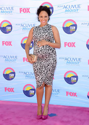 Tamera Mowry was glowing in this geometric print dress and pink lips.