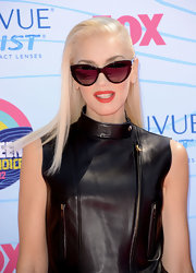 Gwen Stefani looked like a true rock star in these reflective shades at the Teen Choice Awards..