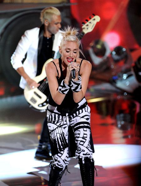 More Pics of Gwen Stefani Bangle Bracelet (1 of 23) - Gwen Stefani Lookbook - StyleBistro