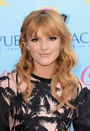 Bella Thorne's soft and full lashes looked lovely on the star.