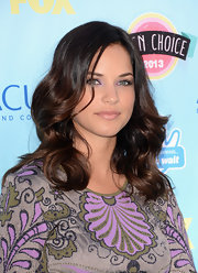 Alexis' soft waves kept her look elegant and classic at the Teen Choice Awards.
