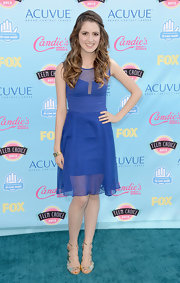 Laura Marano went for a pretty royal blue hue at the Teen Choice Awards.
