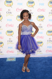 Nia Frazier looked very fancy at the Teen Choice Awards in a purple dress with a beaded bodice and a tulle skirt.