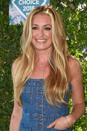 Cat Deeley flaunted a gorgeous wavy hairstyle at the Teen Choice Awards 2016.