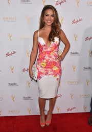Chrishell Stause coordinated her dress with a pair of coral peep-toes.