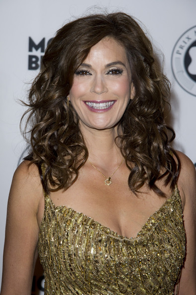 Teri Hatcher Long Curls