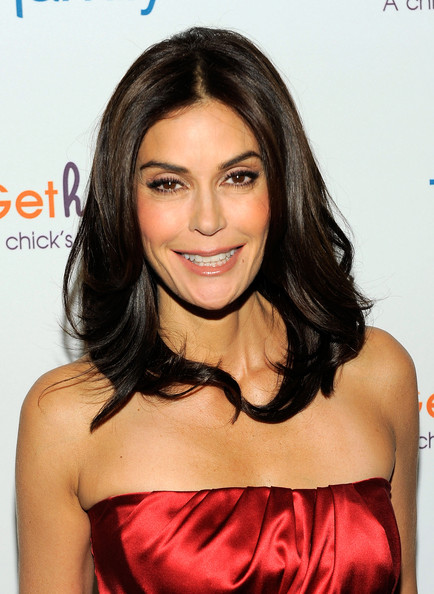 Teri Hatcher Medium Layered Cut [photos,hair,hairstyle,eyebrow,shoulder,beauty,chin,lip,black hair,long hair,joint,teri hatcher,teri hatcher celebrates the launch of gethatched.com,gethatched.com,new york city,rouge tomate,launch,celebration]