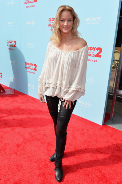 Teri Polo Off-the-Shoulder Top