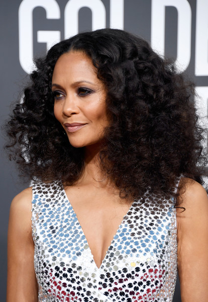 Thandie Newton Medium Curls [hair,hairstyle,black hair,long hair,ringlet,human,jheri curl,lace wig,fashion accessory,brown hair,arrivals,thandie newton,the beverly hilton hotel,beverly hills,california,golden globe awards,thandie newton,76th golden globe awards,celebrity,beverly hills,golden globe award,black panther,72nd british academy film awards,red carpet,image]