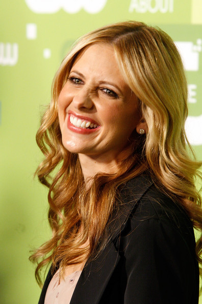 More Pics of Sarah Michelle Gellar Long Curls (1 of 6) - Sarah Michelle Gellar Lookbook - StyleBistro [hair,facial expression,blond,beauty,human hair color,smile,hairstyle,lady,girl,chin,sarah michelle gellar,upfront,jazz,new york city,lincoln center,cw network]
