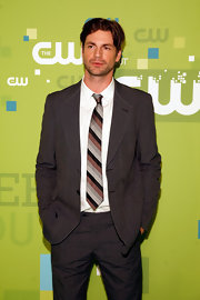 Gale Harold went classic with this tri-colored, striped tie. It tied the whole suit together.