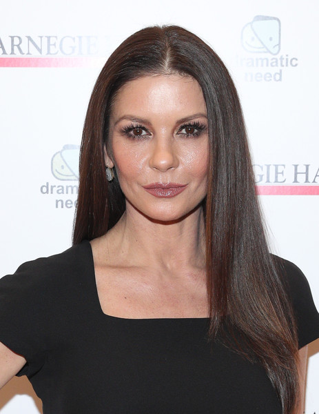 Catherine Zeta Jones' Boozy Hair Routine
