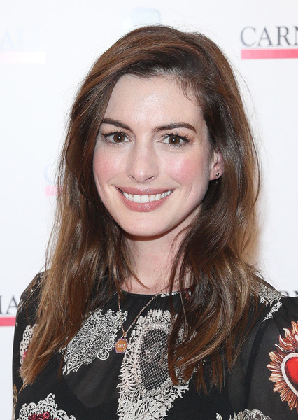 Anne Hathaway's Relaxed Yet Chic Look