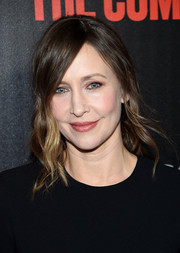 Vera Farmiga styled her hair into a very loose ponytail for the New York premiere of 'The Commuter.'