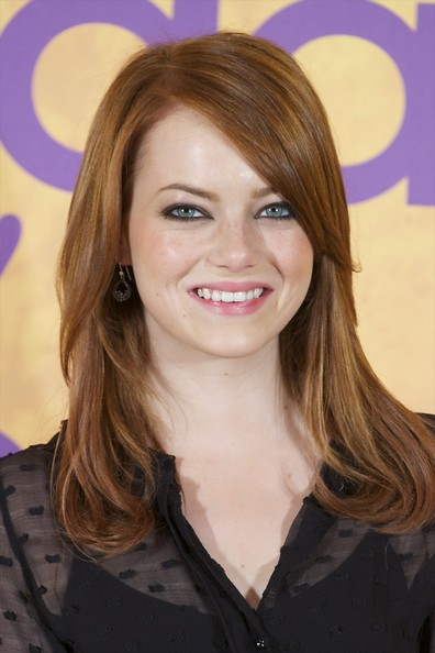More Pics of Emma Stone Dangling Diamond Earrings (1 of 18) - Emma Stone Lookbook - StyleBistro