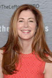 Dana Delany attended the premiere of 'The Leftovers' wearing a simple layered cut.