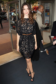 Rebecca showed off a lovely lace Resort 2011 dress while attending the premiere of 'The Town'.