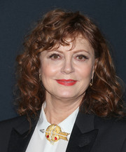 Susan Sarandon jazzed up her outfit with an arrow brooch.