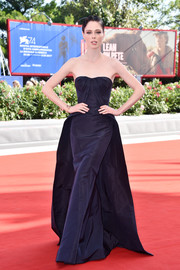 Coco Rocha looked queenly in this strapless navy gown by Zac Posen at the Venice Film Festival premiere of 'The Third Murder.'
