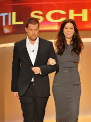 Jessica Biel appeared on the German talk show 'Wetten dass...?' wearing a pair of Melrose Memoirs earrings in frost.