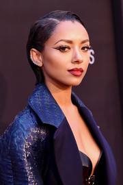 Kat Graham looked totally exotic with her elaborate cat-eye makeup during Fashion Rocks 2014.