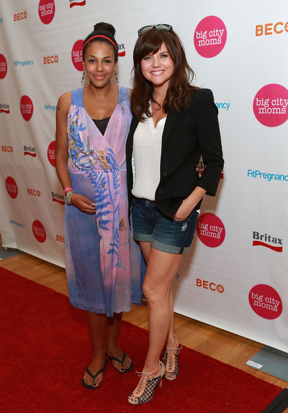 tiffani thiessen r and guest attend 16th biggest baby shower ever