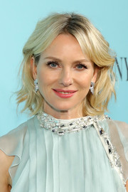 Naomi Watts cut a pretty picture with her short wavy 'do at the Tiffany & Co. Blue Book Gala.