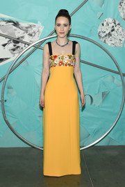 Rachel Brosnahan was a glamorous drop of sunshine in a yellow Carolina Herrera gown with a floral-embroidered bust and contrast shoulder straps at the 2018 Tiffany Blue Book Collection celebration.