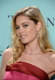 Doutzen Kroes' long blonde curls had a retro-glam vibe to them at the Tiffany's Blue Book Ball.