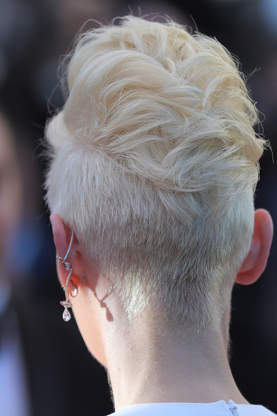 Tilda Swinton Fauxhawk [hair,hairstyle,chin,ear,blond,fashion,hair coloring,neck,crop,celebrities,fans,tilda swinton,things,movie world,okja,cannes,celebration,screening,film festival]