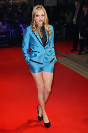 Amanda Seyfried paired her vibrant blue suit with classic black platform pumps.