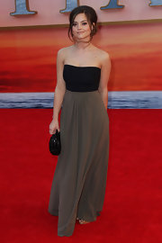 Jenna Louise Coleman chose this simple two-tone strapless number to the 'Titanic 3D' premiere in London.