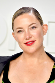 Kate Hudson opted for a simple side-parted ponytail when she attended the Tom Ford Fall 2020 show.